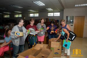 "Sheriff's ""Stuff the Cruiser Campaign"" Helps Belmont Students"